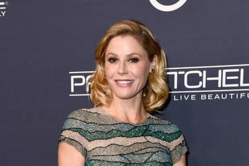 Julie Bowen Paul Mitchell Presents the 2017 Baby2Baby Gala - Red Carpet