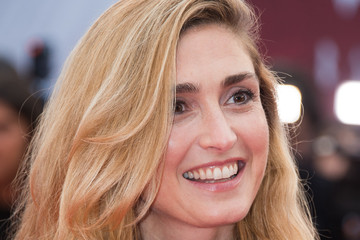Julie Gayet 42nd Deauville American Film Festival : Opening Ceremony