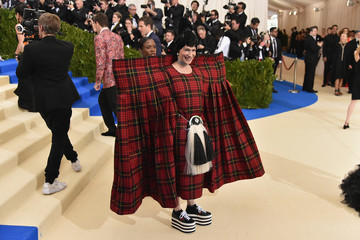 "Julie Macklowe ""Rei Kawakubo/Comme des Garcons: Art of the In-Between"" Costume Institute Gala - Arrivals"
