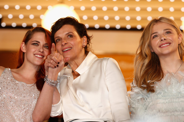 'Clouds of Sils Maria' Premieres at Cannes [leviathan premiere,clouds of sils maria,white,photograph,facial expression,event,ceremony,fun,friendship,wedding,fashion,smile,chloe grace moretz,juliette binoche,kristen stewart,l-r,cannes,france,the 67th annual cannes film festival,premiere]