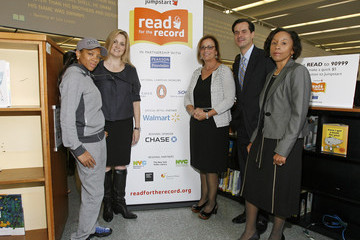 Stacey Morrison Jumpstart's Read for the Record at the Brooklyn Public Library