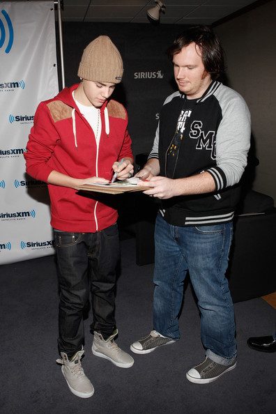 Justin Bieber (EXCLUSIVE COVERAGE) Justin Bieber visits the SiriusXM Studio on November 18, 2011 in New York City.
