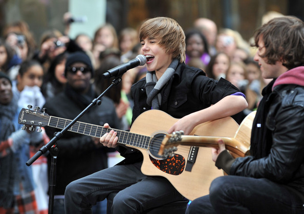 http://www2.pictures.zimbio.com/gi/Justin+Bieber+Performs+NBC+Today+ImnWPxbl5u_l.jpg