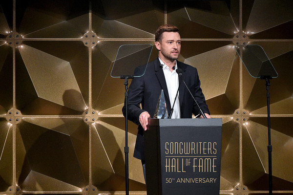 Songwriters Hall Of Fame 50th Annual Induction And Awards Dinner - Show [speech,public speaking,design,event,orator,suit,performance,formal wear,justin timberlake,contemporary icon award,new york city,the new york marriott marquis,songwriters hall of fame 50th annual induction and awards dinner - show]