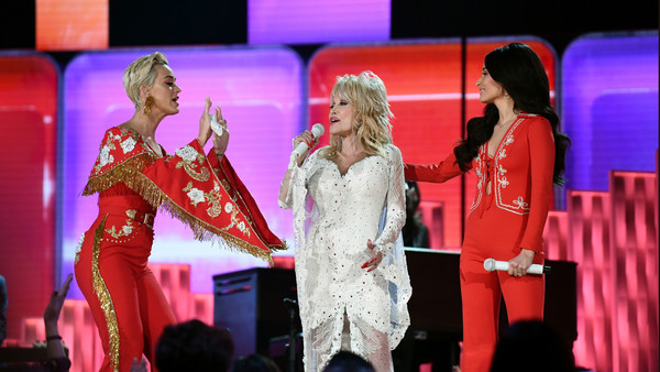 Kacey Musgraves and Dolly Parton *** Local Caption *** Kacey Musgraves Photos - 1 of 1
