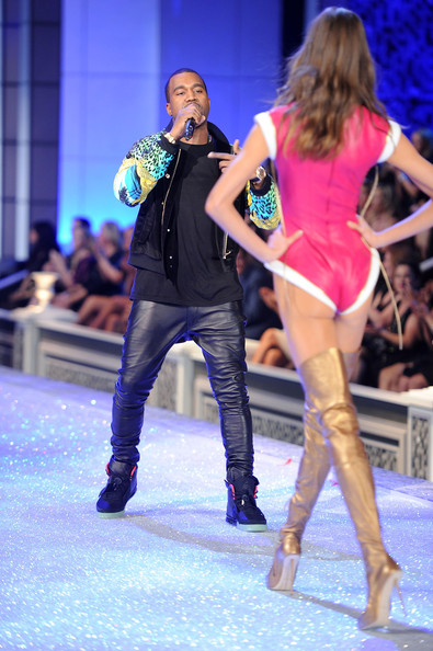 Kanye West - 2011 Victoria's Secret Fashion Show - Performance