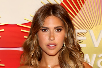 Kara Del Toro Revolve's Second Annual #REVOLVEawards