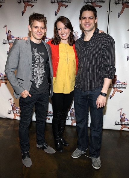 6d8179d0463c26 Kara Lindsay and Jeremy Jordan Photos Photos - Meet The Cast Of ...