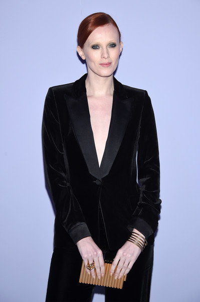 3b187ef466 Karen Elson Photos Photos - Tom Ford Fall Winter 2018 Women s Runway ...