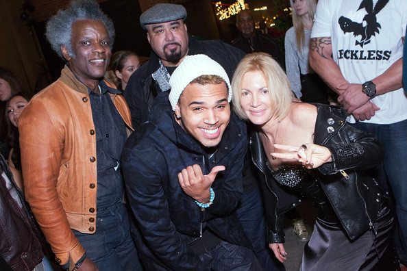 "Chris Brown Hosts An Exclusive Serigraph Signing With Artist Karen Bystedt's LOST WARHOLS ""Andy Goes Street"" Collection"
