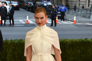 Karlie Kloss 'Manus x Machina: Fashion in an Age of Technology' Costume Institute Gala