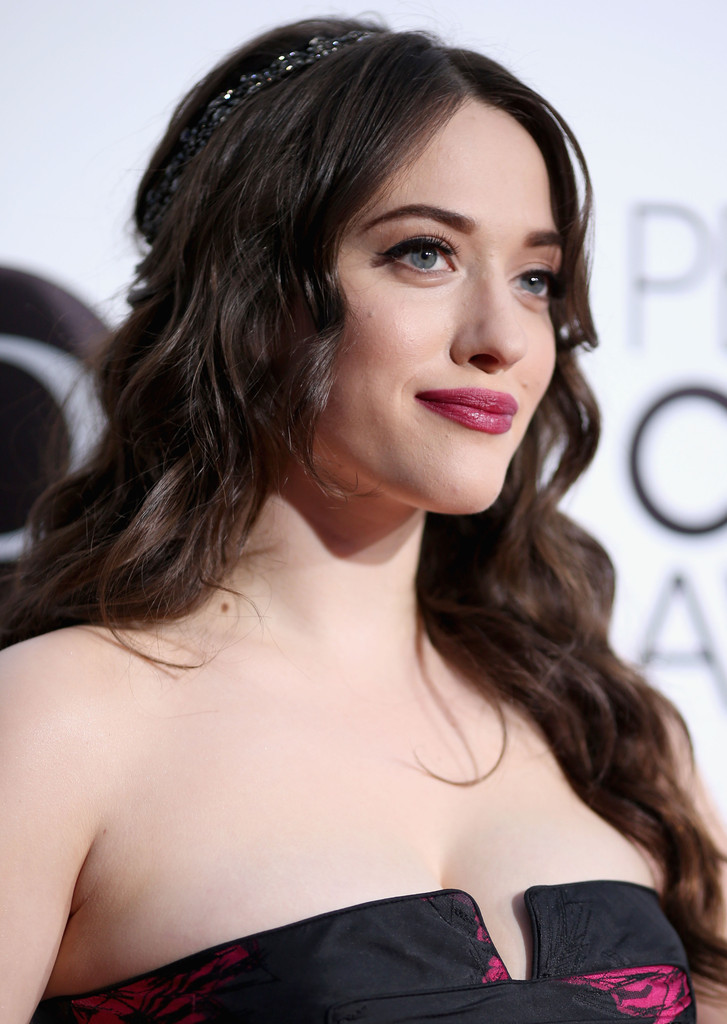 Get Kat Dennings and Beth Behrs's EXACT Beauty Looks