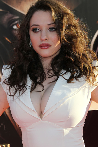 "Kat Dennings Photos Photos - Premiere Of Paramount Pictures' And Marvel's ""Thor"" - Arrivals - Zimbio"