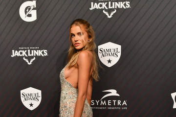 Kate Bock SPORTS ILLUSTRATED 2017 Sportsperson of the Year Show