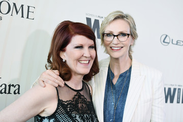 Kate Flannery Jane Lynch Women In Film 2018 Crystal + Lucy Awards Presented By Max Mara, Lancome And Lexus - Red Carpet