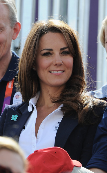 Kate Middleton Photos Photos - Olympics Day 3 - Equestrian ...