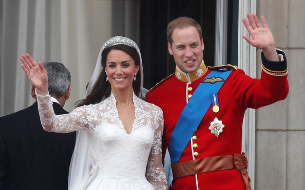 Kate Middleton And Prince William Photos Photostream Pictures Royal Wedding The Newlyweds Greet Wellwishers From Buckingham Palace Balcony