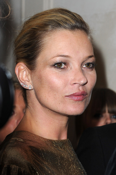 http://www2.pictures.zimbio.com/gi/Kate+Moss+Kate+Moss+Fred+Jewellery+Launch+Iyaq_cFqIsQl.jpg