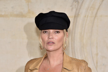 Kate Moss Christian Dior : Photocall - Paris Fashion Week Womenswear Fall/Winter 2017/2018