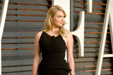 Kate Upton Arrivals at the Elton John AIDS Foundation Oscars Viewing Party — Part 5