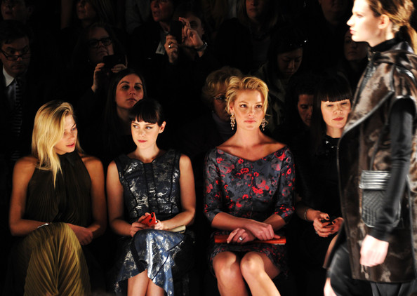 http://www2.pictures.zimbio.com/gi/Katherine+Heigl+J+Mendel+Front+Row+Fall+2013+3CnWctpm3cul.jpg