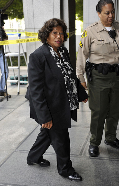 http://www2.pictures.zimbio.com/gi/Katherine+Jackson+Preliminary+Hearing+Dr+Conrad+iNkmSgLLCDPl.jpg