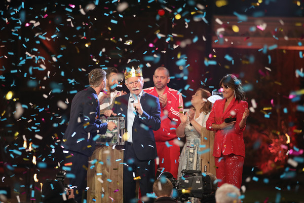 Promi Big Brother 2020 - Finals [performance art,performance,confetti,event,public event,performing arts,stage,fun,party supply,audience,performance art,promi big brother 2020 - finals,werner hansch,stage,performance,confetti,winner,show,event,event,performance art,crowd,recreation,competition,performance]