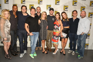 Katie Cassidy Stephen Amell Warner Bros. At Comic-Con International 2014