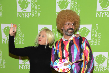 Katie Couric John Molner Bette Midler's Hulaween To Benefit NYC Restoration Project