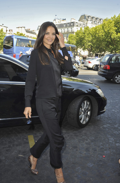 Katie Holmes Katie Holmes arrives for the Giorgio Armani Prive Haute Couture Fall/Winter 2011/2012 show as part of Paris Fashion Week at Palais de Chaillot on July 5, 2011 in Paris, France.