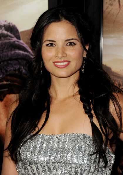 Katrina Law Photos Photos Premiere Of Starz S Quot Spartacus