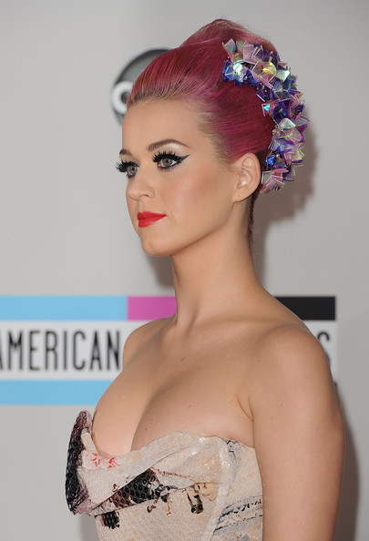 Katy Perry Singer Katy Perry arrives at the 2011 American Music Awards held at Nokia Theatre L.A. LIVE on November 20, 2011 in Los Angeles, California.