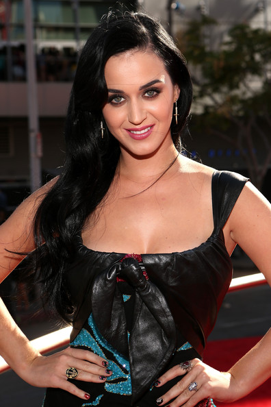 Katy Perry - 2012 MTV Video Music Awards - Red Carpet