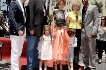 Keenan Ivory Wayans Jennifer Lopez Gets a Star on the Walk of Fame — Part 7