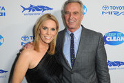 Cheryl Hines (L) and Robert F. Kennedy Jr. attend Keep It Clean Live Comedy To Benefit Waterkeeper Alliance on February 21, 2019 in Los Angeles, California.
