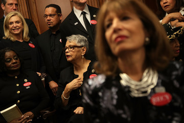 Keith Ellison Members of Congress Wear Black for SOTU in Solidarity With Sexual Harassment Victims