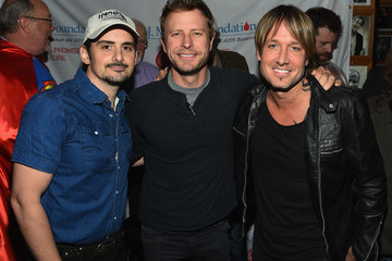 Keith Urban T.J Martell Foundation's 2016 Ambassador of the Year Roasting Universal Music Group Nashville Chairman and CEO Mike Dungan