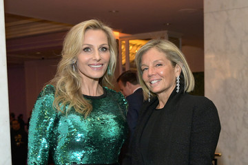 Kelly Chapman Meyer WCRF's An Unforgettable Evening Presented By Saks Fifth Avenue - Inside