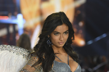 Kelly Gale 2016 Victoria's Secret Fashion Show in Paris - Show