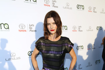 Kelly Oxford Environmental Media Association's 27th Annual EMA Awards - Red Carpet