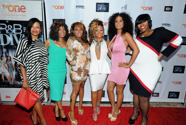 'R&B Divas' Premieres in West Hollywood [red carpet,event,carpet,fashion,premiere,dress,flooring,cocktail dress,fashion design,r b divas,la premiere event,premiere event,tv personalities,michelle,dawn robinson,chante moore,claudette ortiz,lil mo,kelly price]