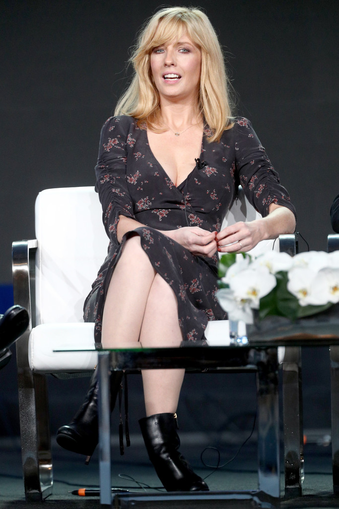 http://www2.pictures.zimbio.com/gi/Kelly+Reilly+2018+Winter+TCA+Tour+Day+12+1ktjCynIcIex.jpg