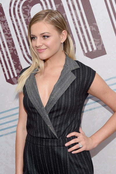 12th Annual ACM Honors - Red Carpet [hair,clothing,hairstyle,blond,beauty,long hair,dress,cocktail dress,fashion,premiere,acm honors - red carpet,acm honors,ryman auditorium,nashville,tennessee,kelsea ballerini]