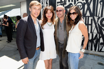 Kelsey Chow John Varvatos 12th Annual Stuart House Benefit - Arrivals