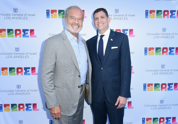 Kelsey Grammer Photos Photos - Israeli Consulate In Los