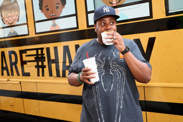 Kenan Thompson Kenan Thompson Encourages Fans to Dine Out This Month to Support No Kid Hungry