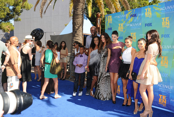 Kendall Jenner (L-R) TV personalities Lamar Jr., Lamar Odom, daughter Destiny, Khloe Kardashian, Kendall Jenner, Kim Kardashian, Kylie Jenner and Kourtney Kardashian arrive at the 2011 Teen Choice Awards held at the Gibson Amphitheatre on August 7, 2011 in Universal City, California.