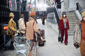 Kendall Jenner Marc Jacobs Fall 2017 Show - Runway