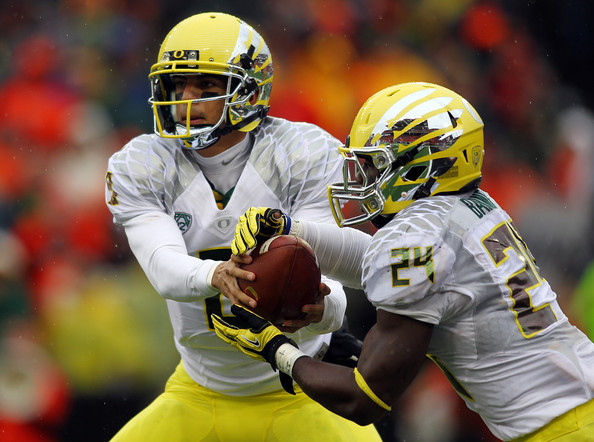 Marcus Mariota and Kenjon Barner - Oregon Ducks