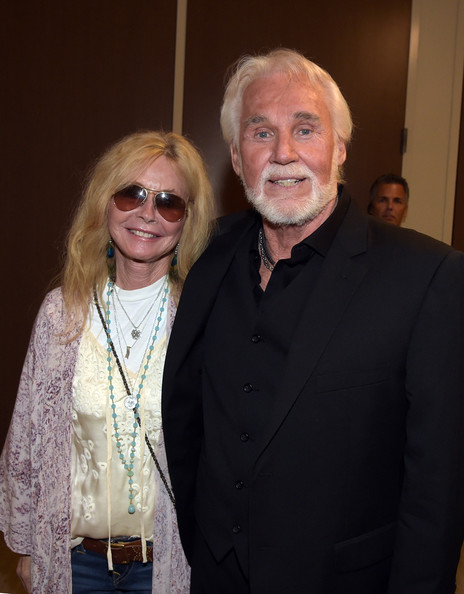 Kenny Rogers and Kim Carnes Photos Photos - Kenny Rogers ...